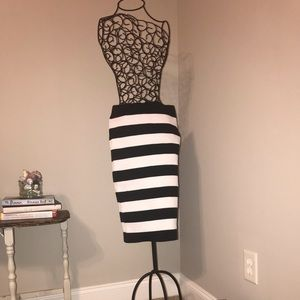 Express black and white striped pencil skirt XS